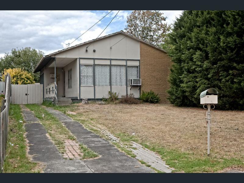 5 Peach court  Doveton, Vic 3177