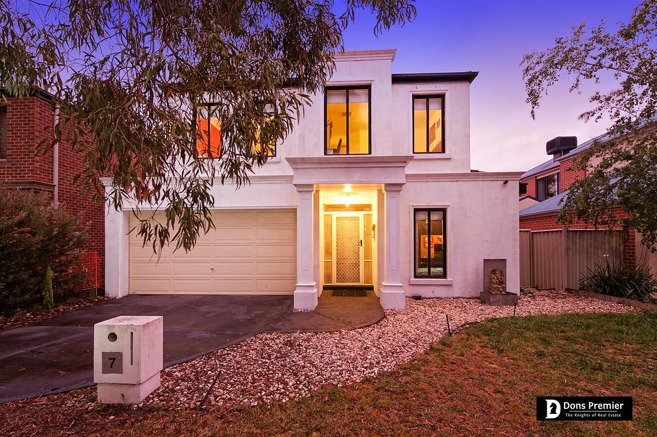 7 Hopkins Pass, Pakenham