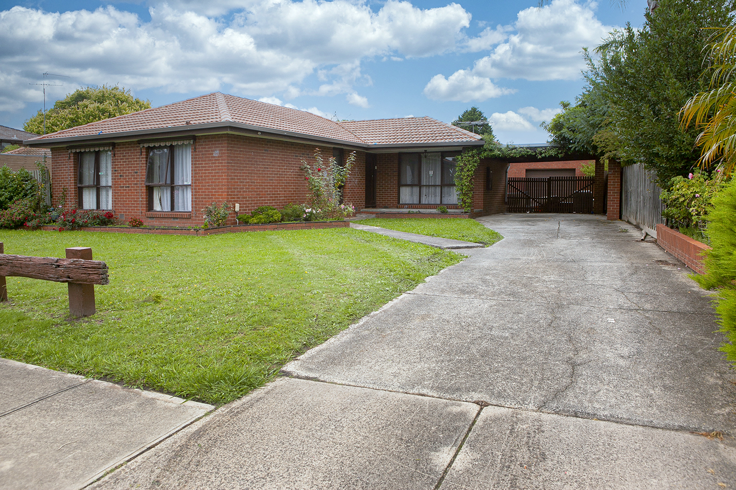 38 Primrose Hill Close Endeavour Hills VIC 3802