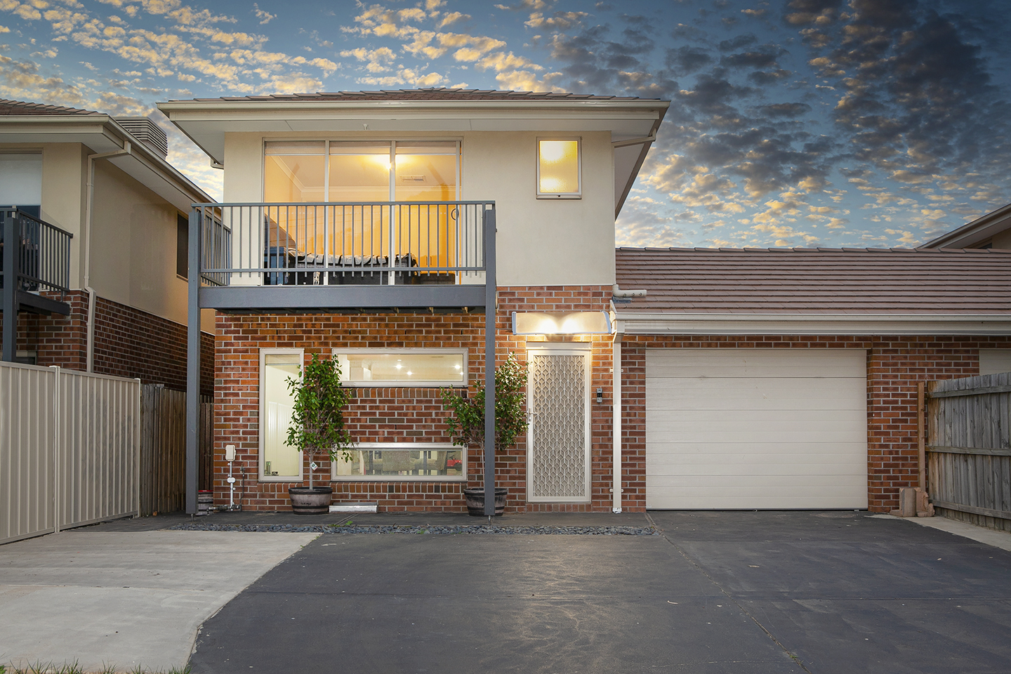 2/19 Elizabeth street, Cranbourne north.